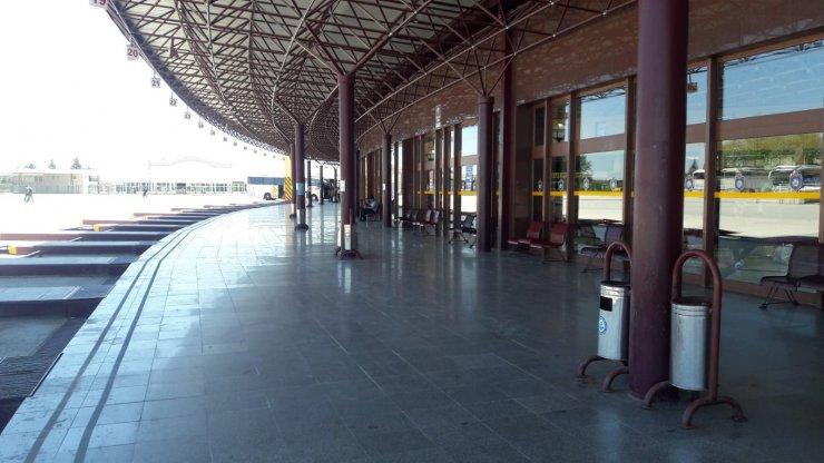 Bayram öncesi otobüs terminali sessizliğe büründü