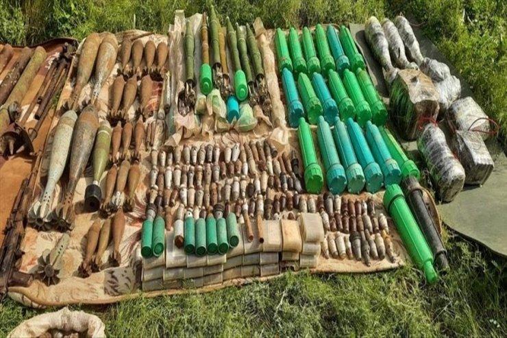 6 PKK'lı teröristin etkisiz hale getirildiği mağarada çok sayıda silah ve mühimmat ele geçirildi