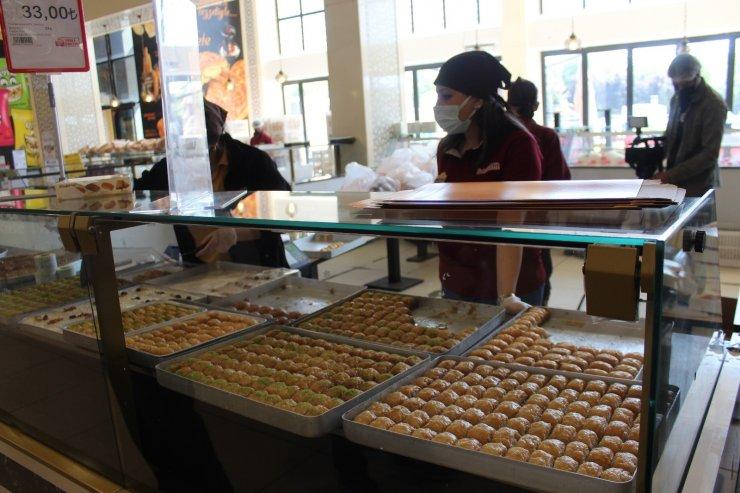 Bayramın vazgeçilmez lezzeti baklavada sipariş patlaması yaşandı