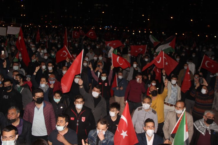 Kayseri'de binlerce kişi Filistin'e destek için toplandı