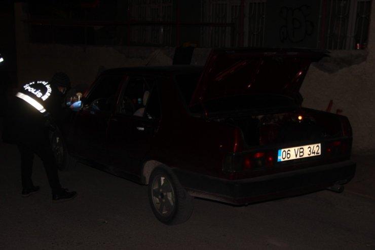 Aracın içinde tüfekle vurulan şahıs yaralandı