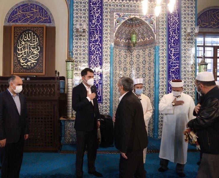 Bakan Kurum, tüm İslam aleminin Ramazan Bayramı'nı kutladı