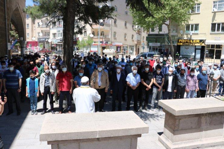 Niğde ve Kayseri'de Filistin'de hayatını kaybedenler için gıyabi cenaze namazı kılındı