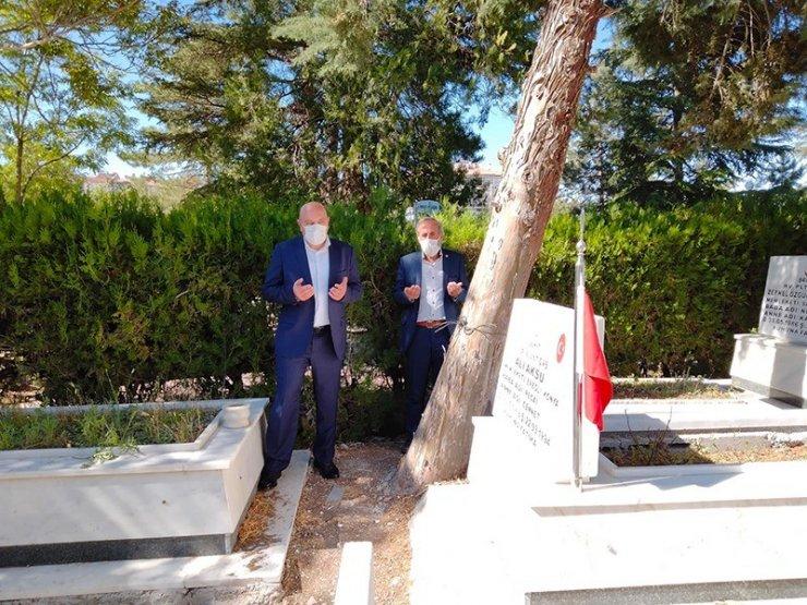 Kaymakam Çakıcı'dan şehit aileleri ve sağlıkçılarla bayramlaştı