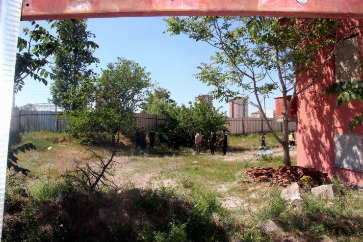 Metruk bina bahçesinde ölü bulundu