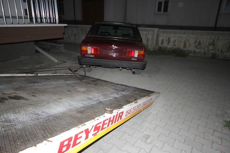 Polisten kaçan ehliyetsiz ve alkollü sürücü çıkmaz sokakta yakalandı