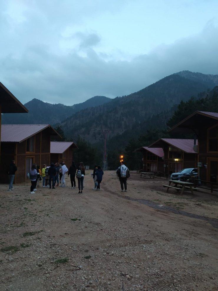 Ukraynalı turistler Aladağlar Milli Parkı'nı gezdi
