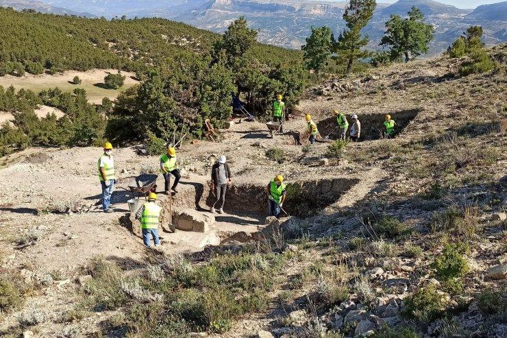 Karaman'ın Ermenek ilçesinde antik kazılar devam ediyor