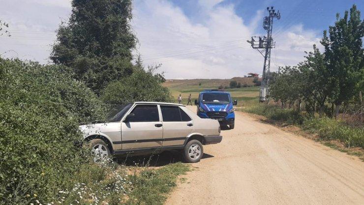 Hırsızlık şüphelileri kaçarken kaza yaptı, biri riskli grupta 3 kişi yakalandı