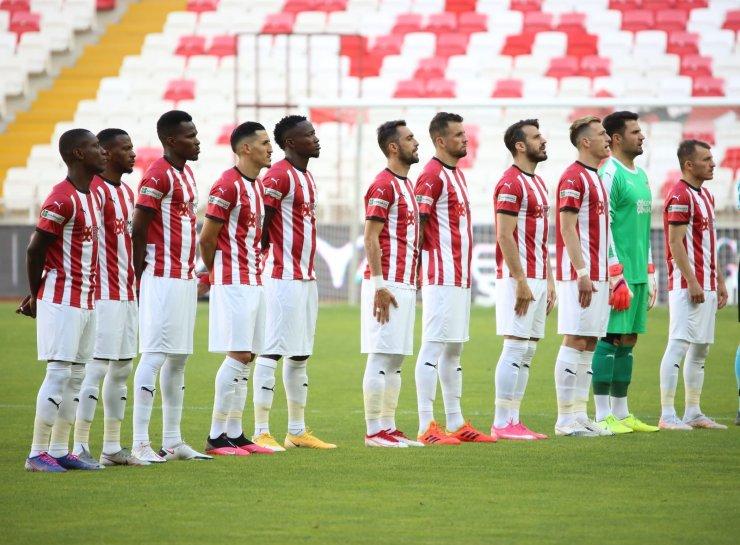 Sivasspor'da 10 futbolcunun sözleşmesi bitiyor!