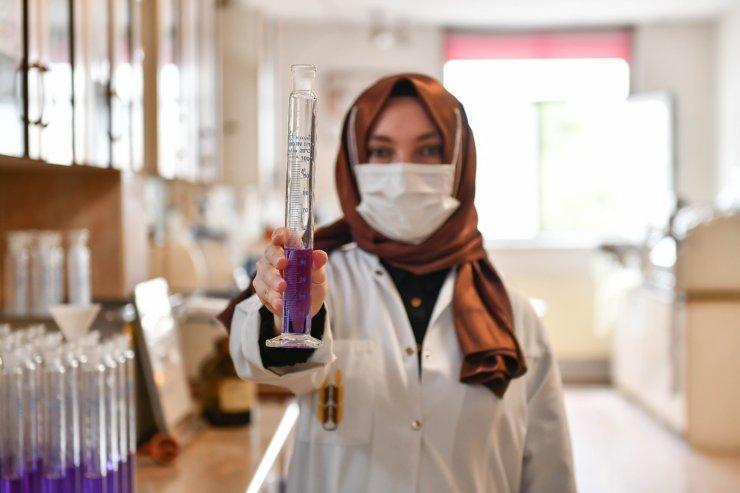 Ankara Büyükşehir Belediyesi Halk Ekmek Fabrikası'nda ekmek üretimi kadınlara emanet