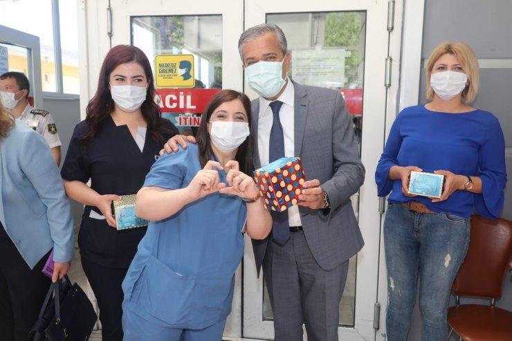 Başkan Yıldızkaya pandemi sürecinde büyük bir özveriyle gece gündüz çalışan hemşireleri unutmadı