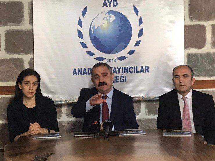 """AYD Başkanı Burhan: """"Yerel medyaya sahip çıkmak bir milli güvenlik meselesidir"""""""