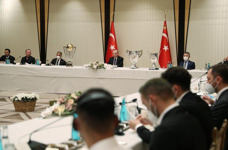 Cumhurbaşkanı Erdoğan, Beşiktaş Futbol Takımı'nı kabul etti