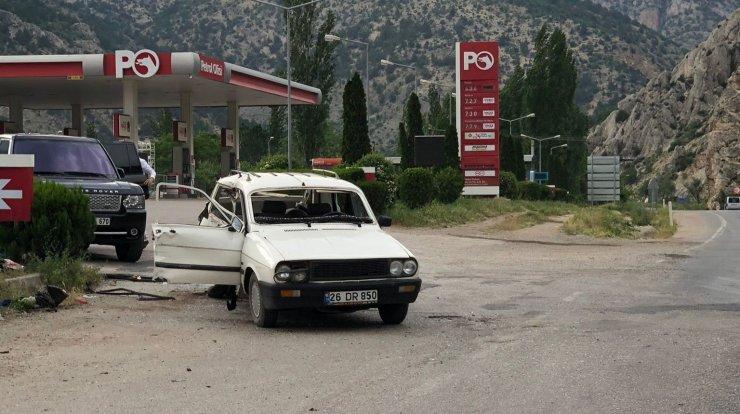 Ankara'da minibüs otomobille çarpıştı: 3 yaralı