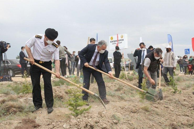 Eskişehirspor'un ilk fidanları dikildi