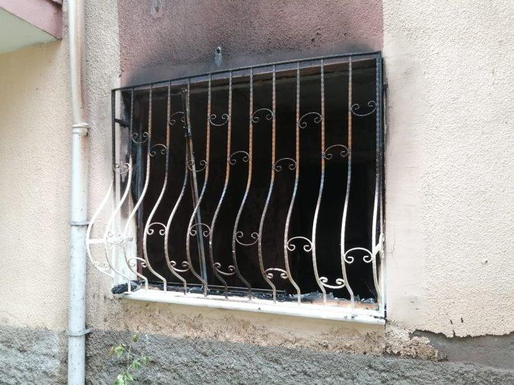 Başkentte sinir krizi geçiren bir kişi evini yakıp bileklerini kesti