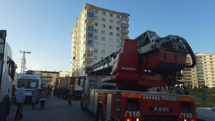 Başkentte çıkan yangında 8 kişi dumandan etkilendi