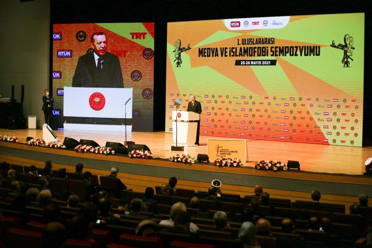 Cumhurbaşkanı Erdoğan'dan Batı'ya İslamofobi tepkisi