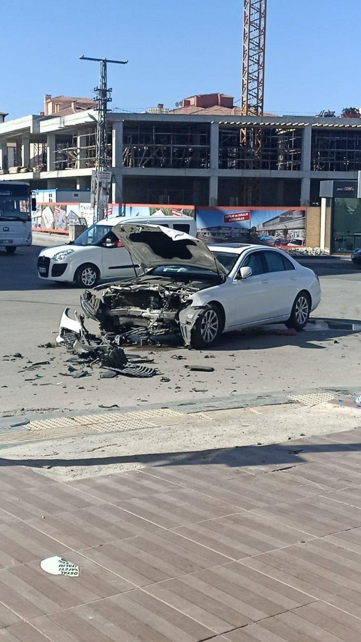 Başkent'te trafik kazası: 3 yaralı