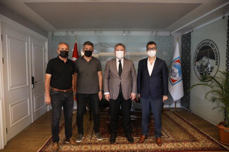 Amatör spor kulüp ile futbol antrenörleri dernek yöneticileri; Melikgazi Belediyesi'nde