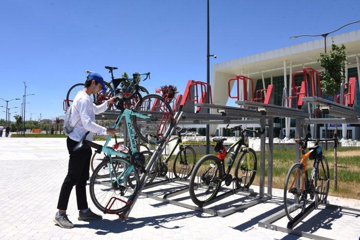 Konya Büyükşehir'den iki katlı yeni nesil bisiklet parkı