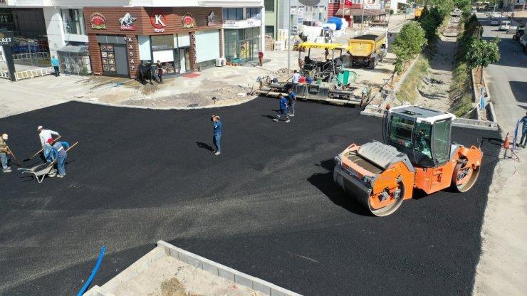 80.Yıl Bulvarında bir etabın daha asfalt çalışması tamamlandı