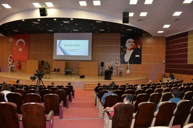 """KMÜ'de """"Dünya Dili Türkçe' konferansı"""