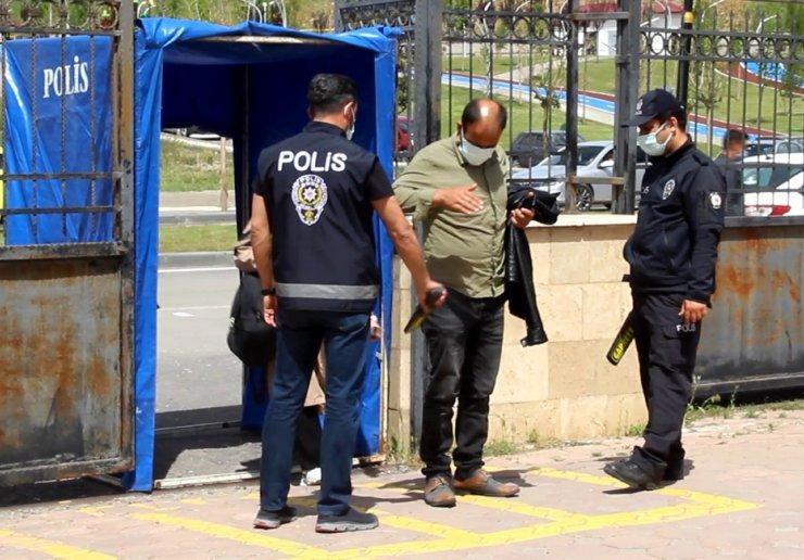6 kişi ölmüş 10 kişi yaralanmıştı, duruşma ertelendi