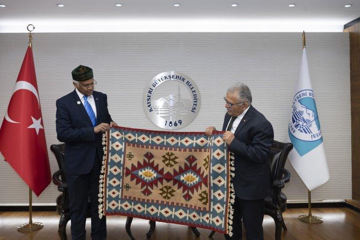 Başkan Büyükkılıç Bangladeş Büyükelçisi'ni ağırladı