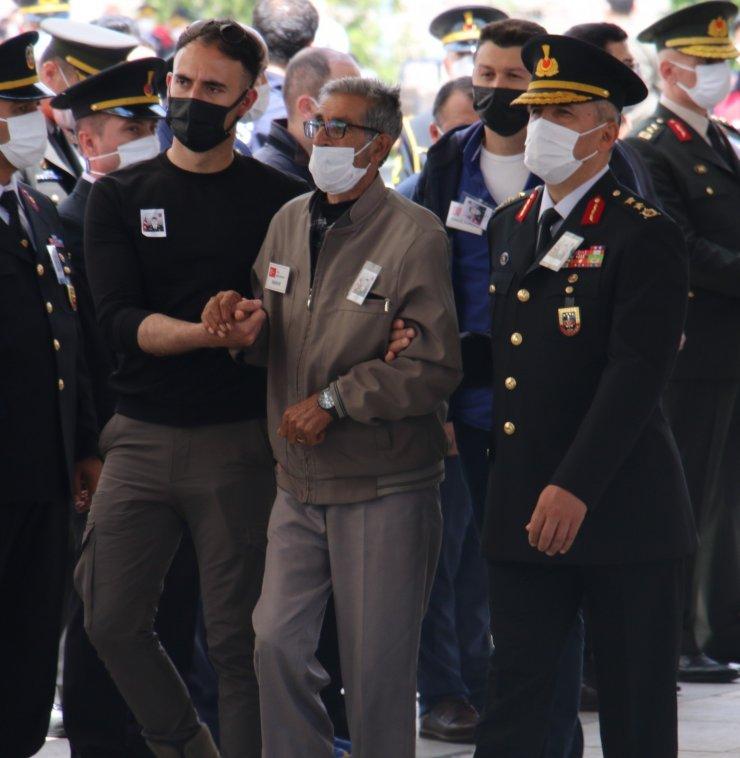 Şehit Jandarma Uzman Çavuş Hüseyin Keleş, son yolculuğuna uğurlandı