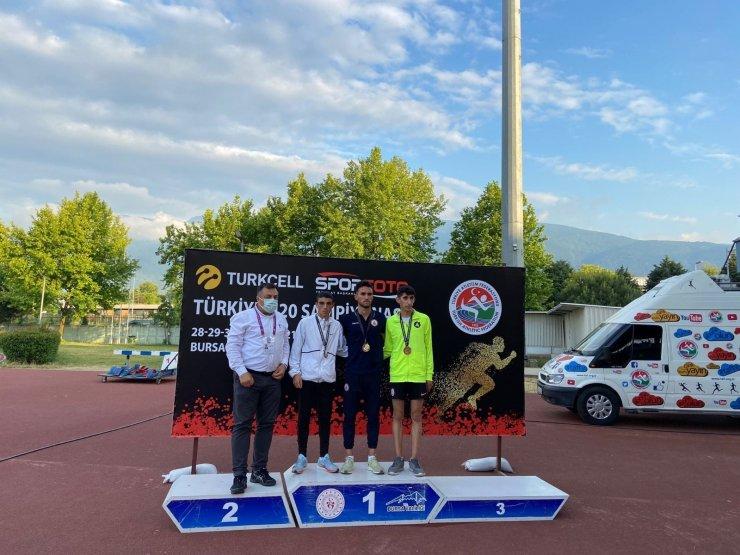 Kayserili atletler Bursa'dan 5 madalya ile döndü