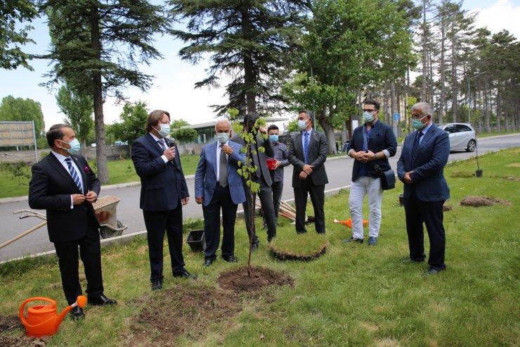 AGÜ Sümer Kampüsü'nde ağaçlandırma etkinliği