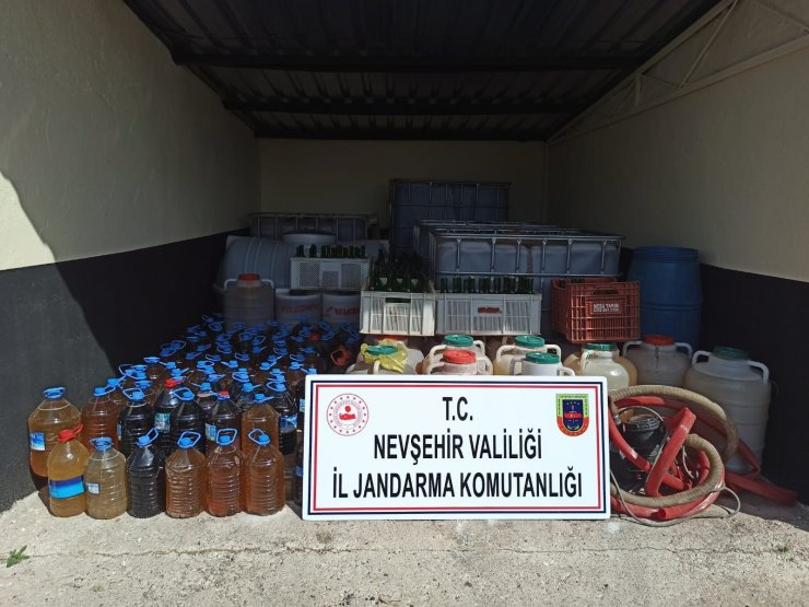 Nevşehir'de 8 ton sahte şarap ele geçirildi