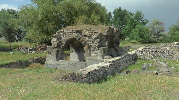 30 bin metrekarelik alanda tarihi Keykubadiye Sarayı'nın kazı çalışmaları yeniden başlıyor