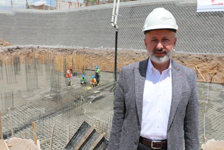 """Başkan Çolakbayrakdar: """"Kentsel yenilemeyle Erkilet Bulvarı ve Yeşil Mahalle'ye yeni çehre"""""""