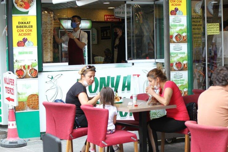 Konya'da lokanta ve kafeler hizmet vermeye başladı