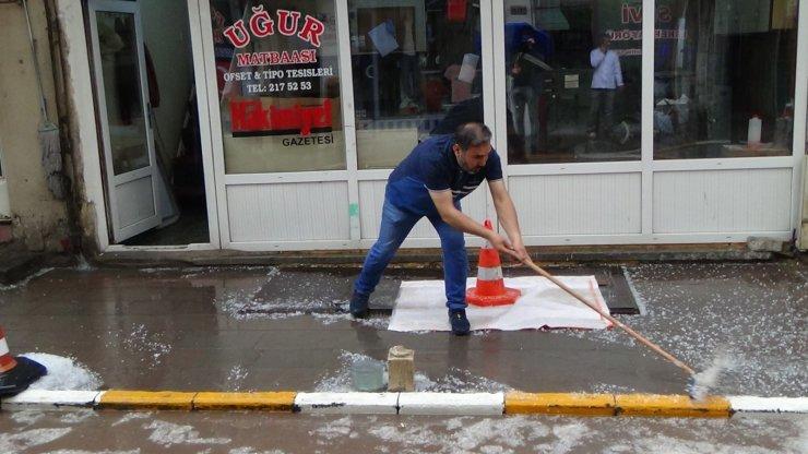 Yozgat'ta dolu etkili oldu