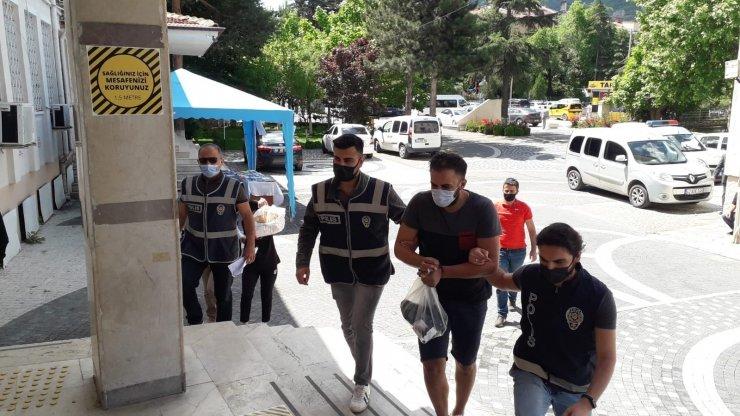 Akşehir'de uyuşturucu operasyonu: 2 gözaltı
