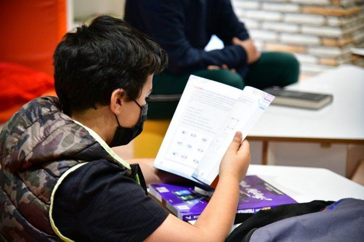 Mamak Belediyesi'nden sınava girecek öğrencilere sınav kaygısı semineri