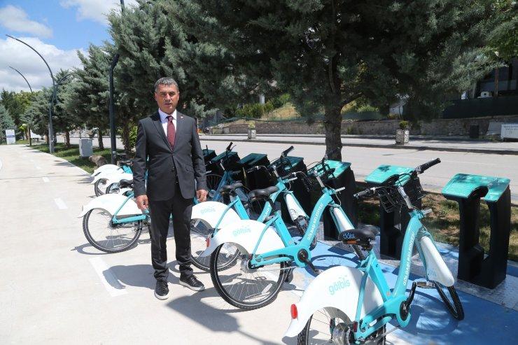 Gölbaşı Belediye Başkanı Şimşek, bisiklet kullanımının yaygınlaştırılması için kurulan GÖLBİS'i test etti