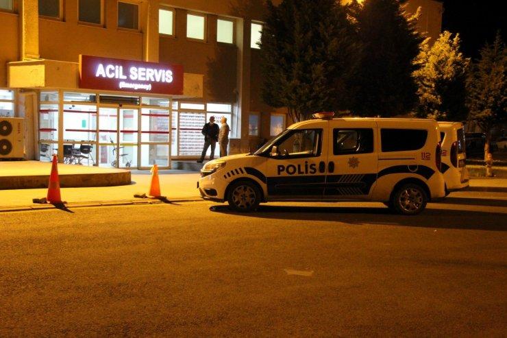 Dur ihtarına uymayan sürücü polis aracına çarptı: 3 yaralı