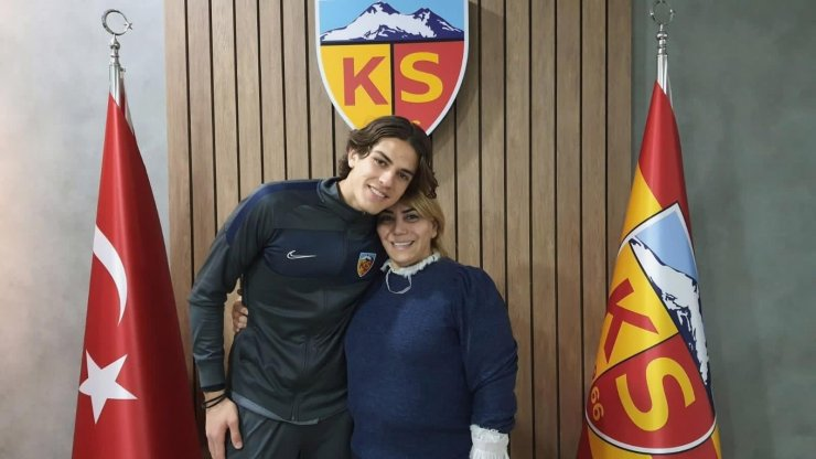 """Kayserispor kalecisi Doğan Alemdar: """"Hedefim Avrupa'da oynamak"""""""