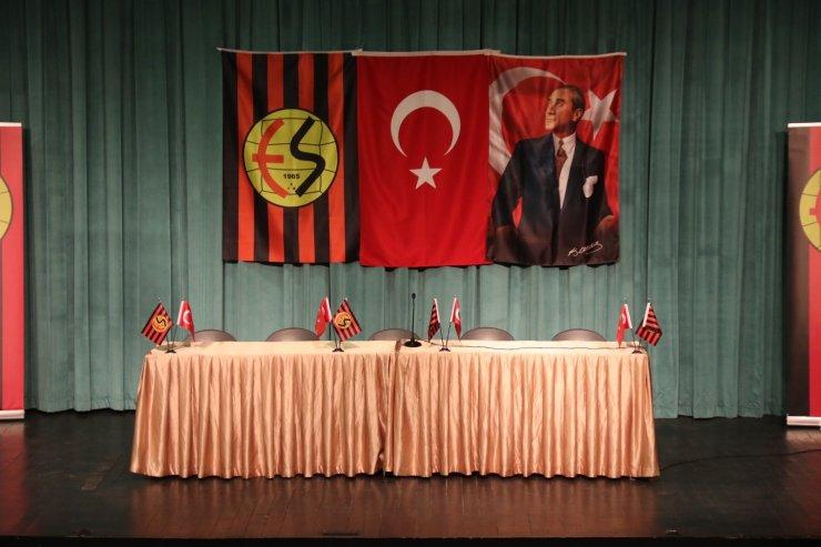 Eskişehirspor olağanüstü seçimli kongre ertelendi