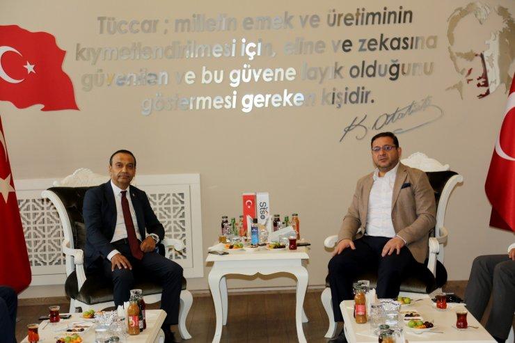 Başkan Eken ve Milletvekili Özyürek'ten birlik ve beraberlik mesajı