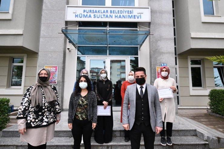 Pursaklar Belediyesi Hüma Sultan Hanım Evi'nde mezuniyet heyecanı