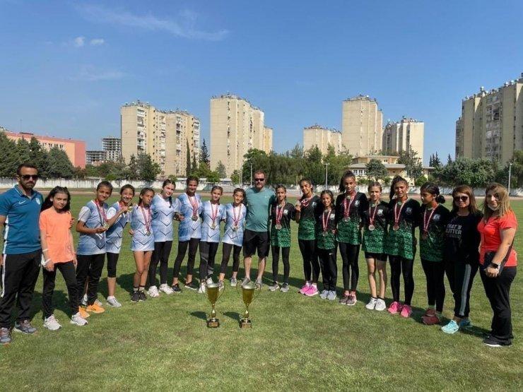 Kayserili atletler Adana'da 4 madalya kazandılar
