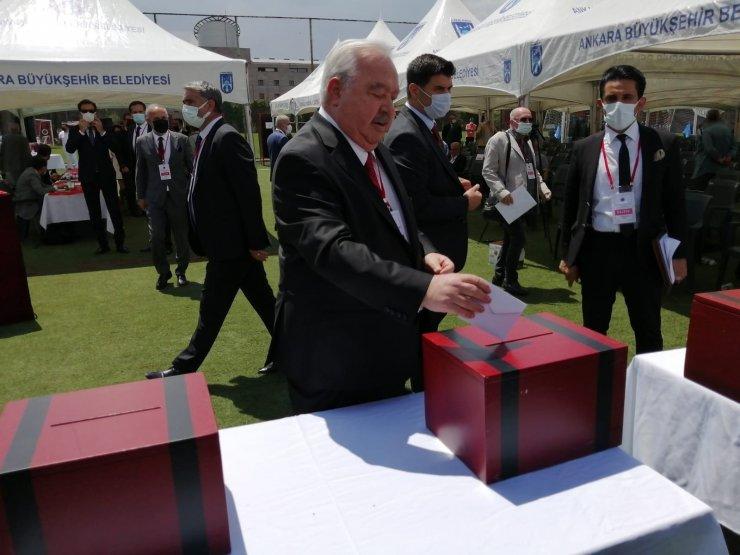 Gençlerbirliği'nin yeni başkanı Mehmet Niyazi Akdaş oldu
