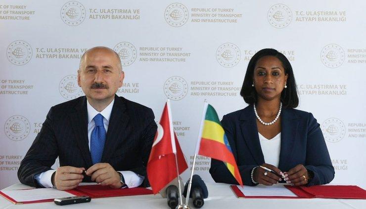 Bakan Karaismailoğlu, Etiyopya Federal Demokratik Cumhuriyeti Ulaştırma Bakanı Moges ile bir araya geldi