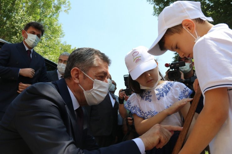 Anadolu Masalları Eskişehir Masal Evi, Bakan Selçuk'un katılımıyla açıldı